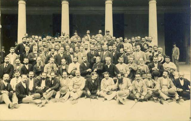 Fotografía de los asistentes al I Congreso Médico-farmacéutico regional de Valencia (1891)